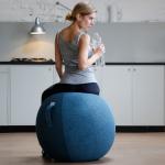 כדור ישיבה ארגונומי – VLUV STOV 65 – תוצרת HOCK – כחול (כדור פיזיו מעוצב)