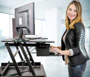 עמדת עמידה ישיבה ארגונומית מתכווננת SX32 תוצרת CASIII טופ קומרס