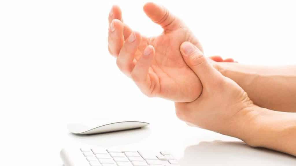מנח כף יד טבעי - עכבר אנכי ארגונומי