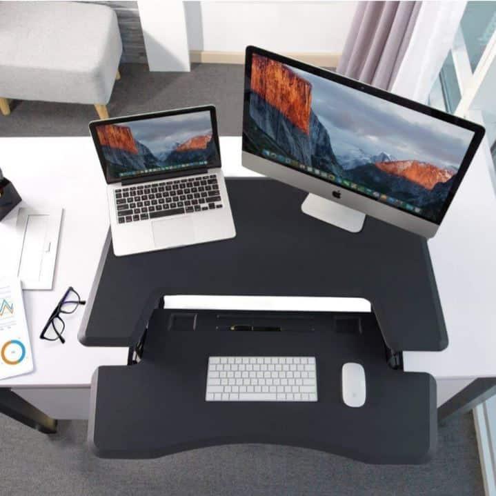 עמדת מחשב עמידה/ישיבה מתכווננת חשמלית דגם  UP36E תוצרת CASIII שחור